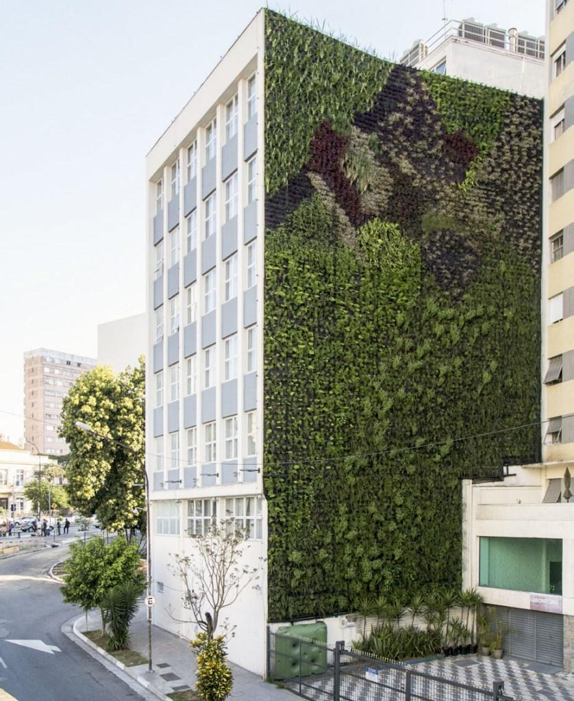 O verde revitalizou prédios próximos ao Minhocão, em São Paulo.