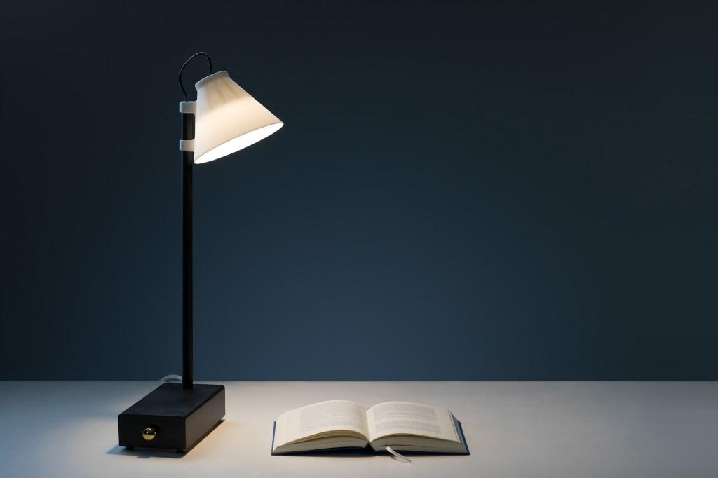 A Offline Lamp foi pensada para ajudar os moradores a ter mais momentos desconectados da tecnologia