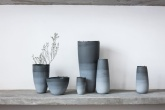 Entre os expositores, marcarão presença nomes como Popoke (design em madeiras), Tucum (artigos indígenas), Atelier Casa Azul (cerâmica) e Duo Solo (vasos em cimento).