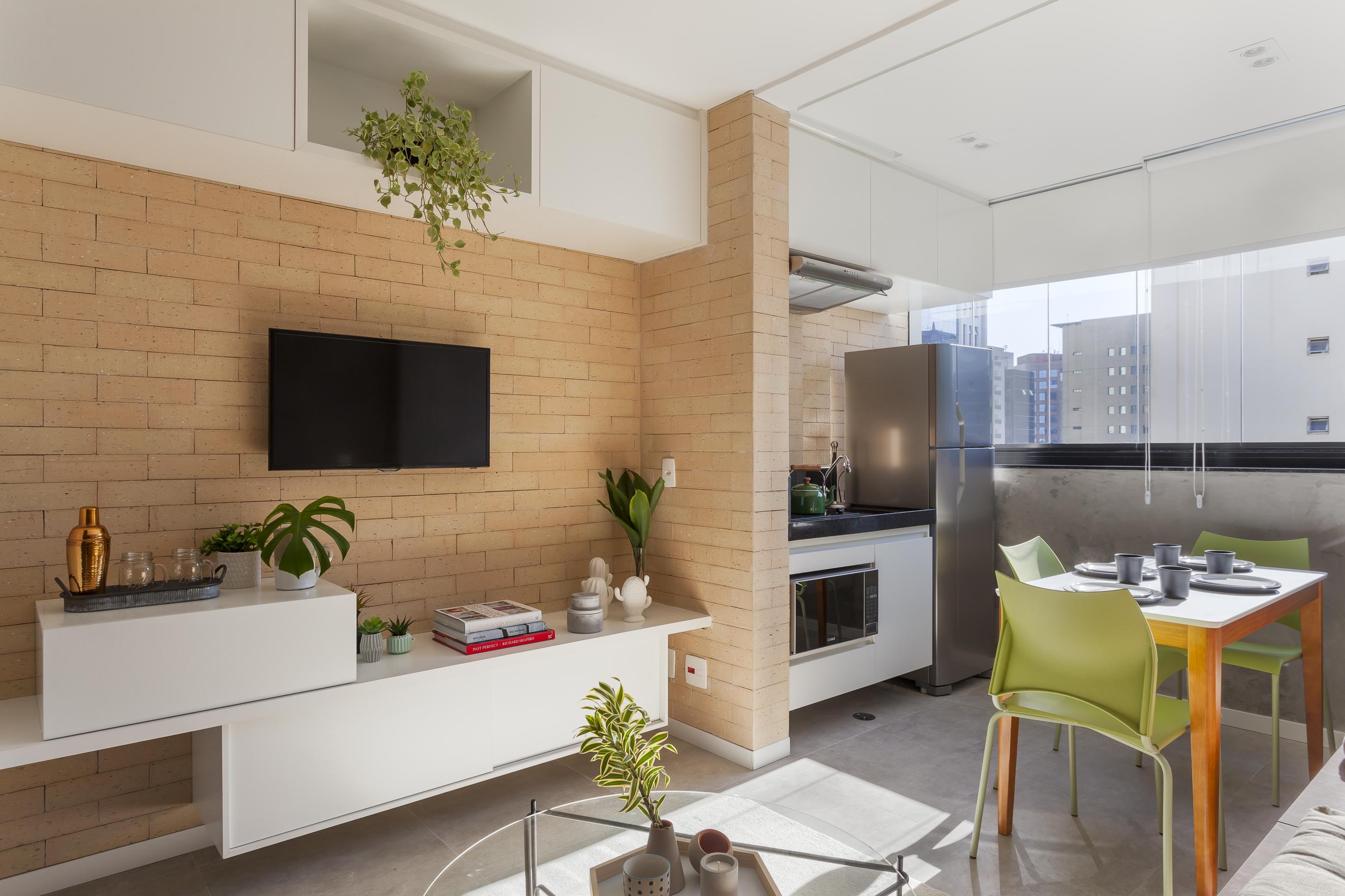 Microapê de 27 m² ganha decoração autêntica em espaço compacto