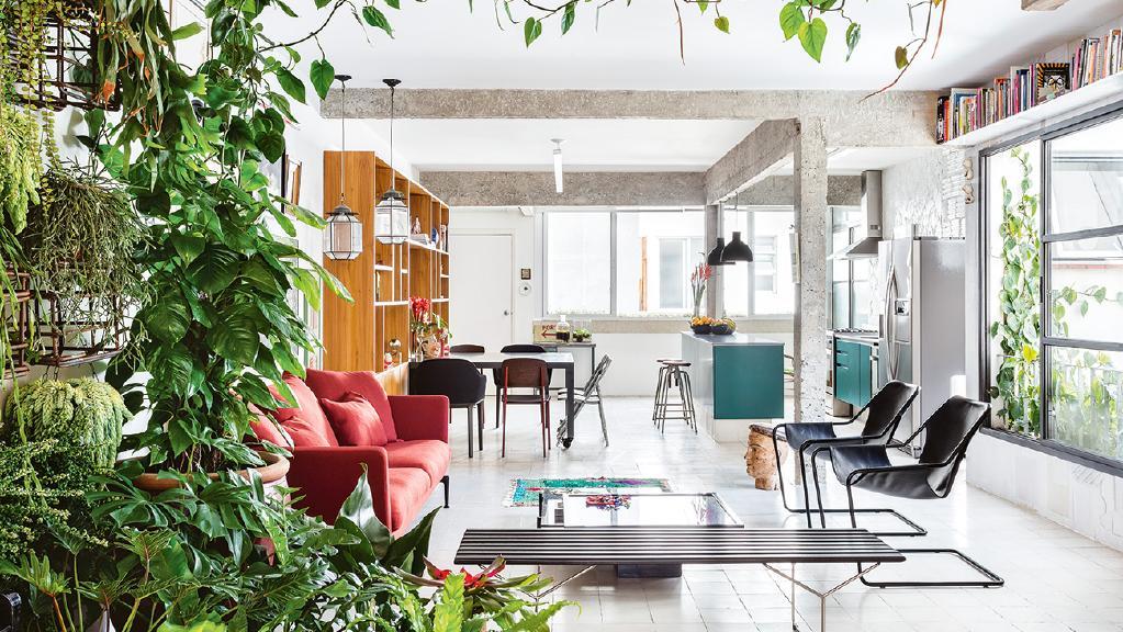 Apartamento de 109 m² com decoração moderna e muitas plantas