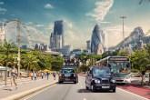 Na série, capitais como Rio de Janeiro e Londres se misturam em cenários vibrantes