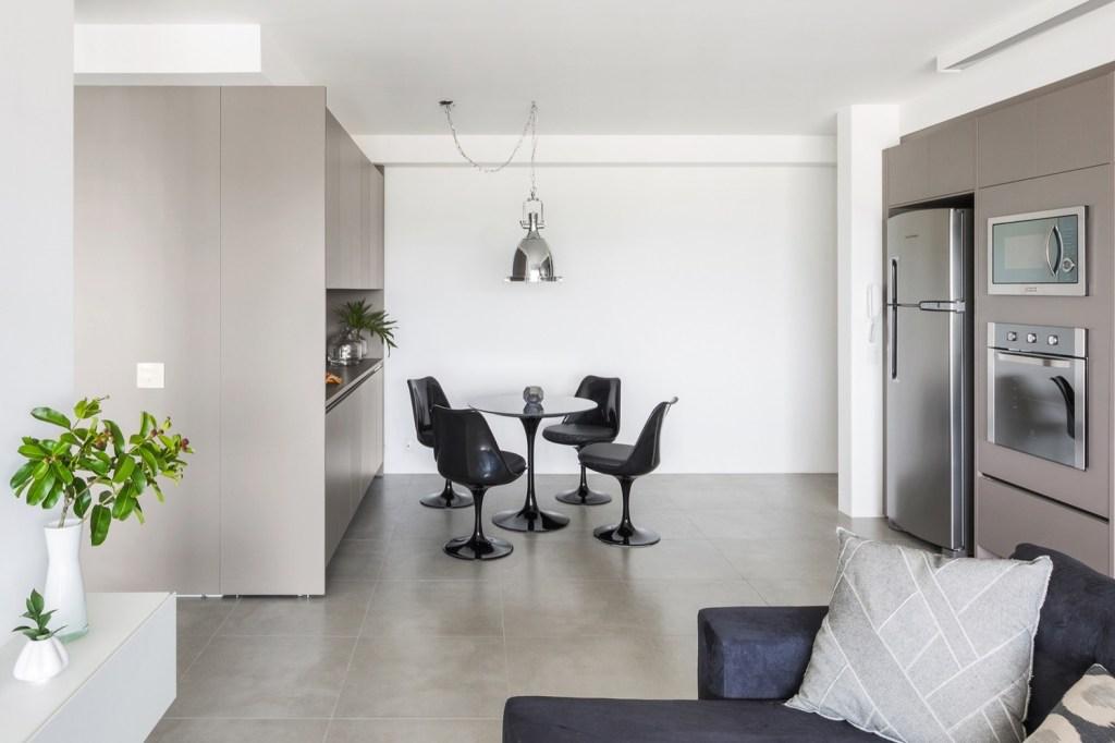 Sala de jantar em apartamento pequeno