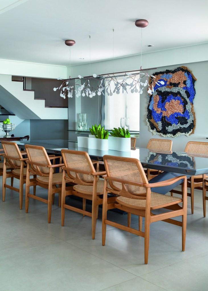 Dúplex em Recife mistura peças do design nacional e internacional