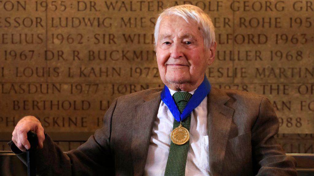 O profissional foi escolhido pelo RIBA como vencedor da Royal Gold Medal de 2018
