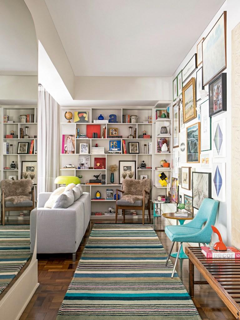 Apartamento tem arquitetura com pegada retrô e décor vintage
