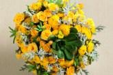 Arranjo de flores amarelas