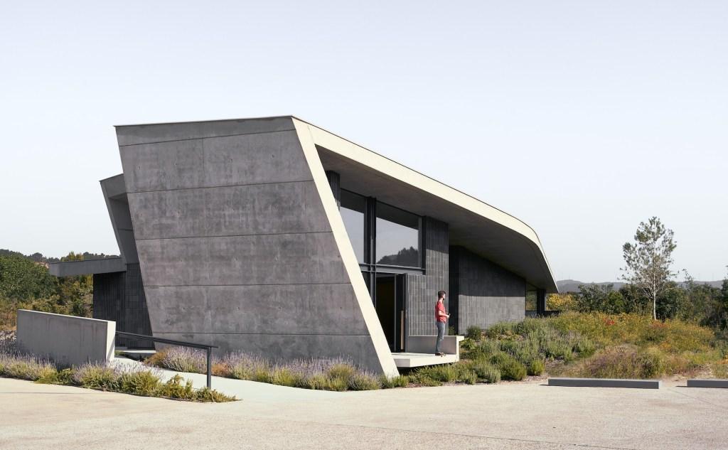 A arquiteta espanhola é a quinta profissional a desenhar o pavilhão, que ficará exposto em Melbourne de outubro de 2018 a fevereiro 2019