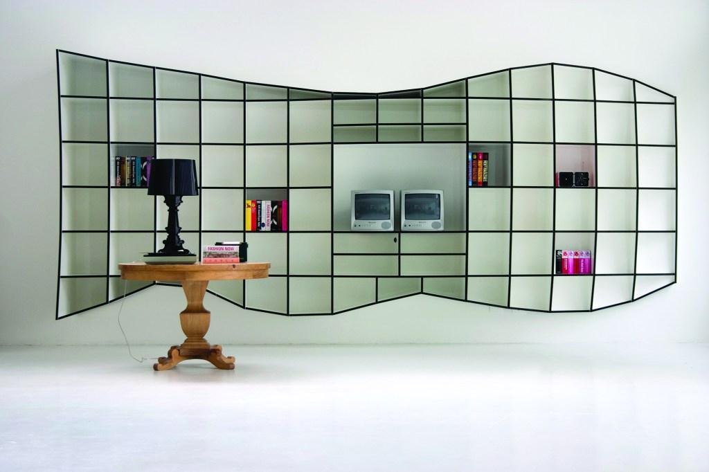 O escritório franco-brasileiro Triptyque criou a Treme Treme para um de seus primeiros projetos de interiores em São Paulo. A peça é vendida pela Micasa e já virou um clássico nacional.
