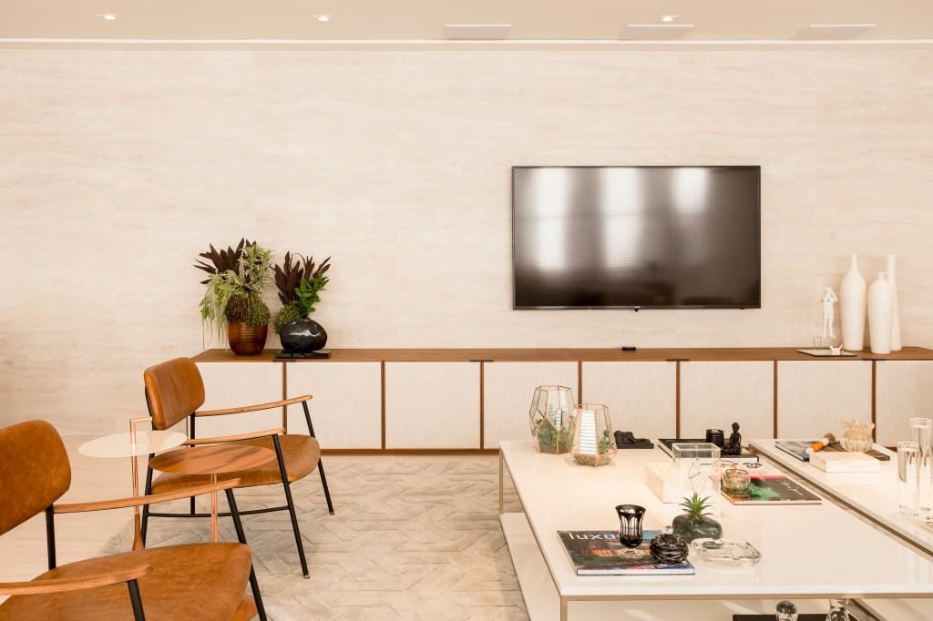 Sala de estar com peças de design