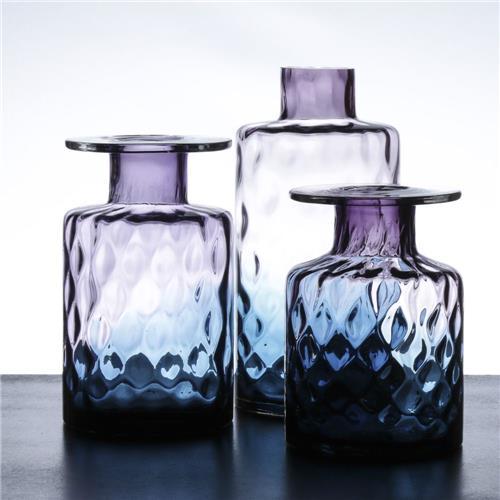 O Vaso Decorativo Licyan Pequeno Vaso Decorativo custa R$ 197,88.