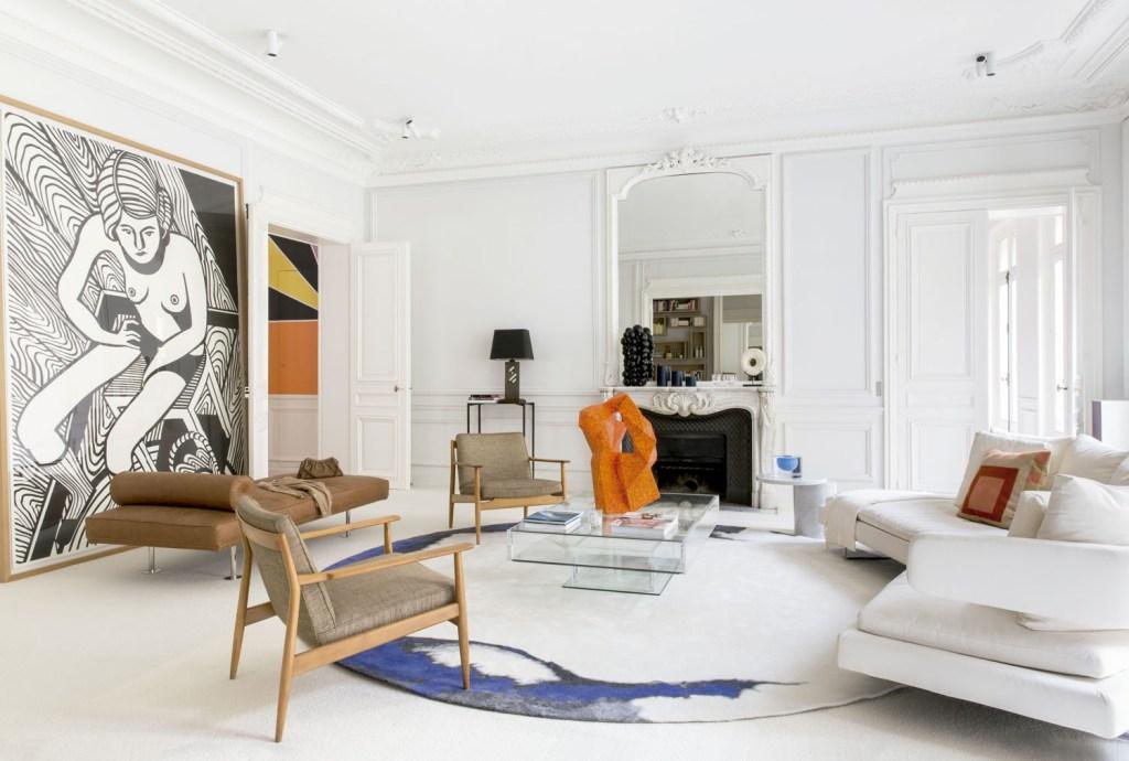 Dobradinha supercool, obras de arte contemporâneas e peças de design com mood artístico convertem a casa em galeria privê