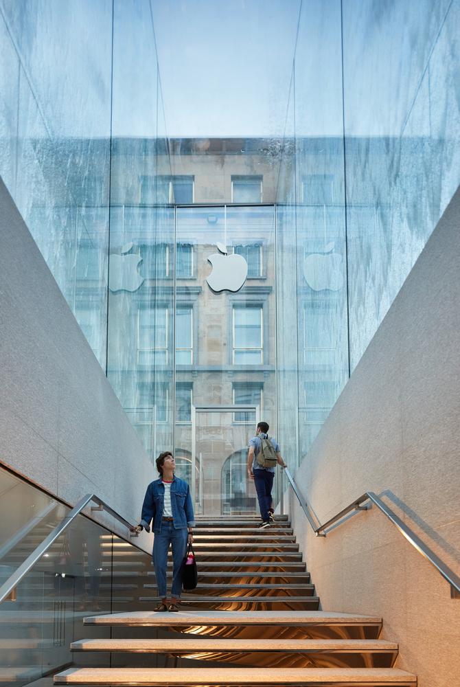 Foster + Partners assina primeira loja da Apple em Milão