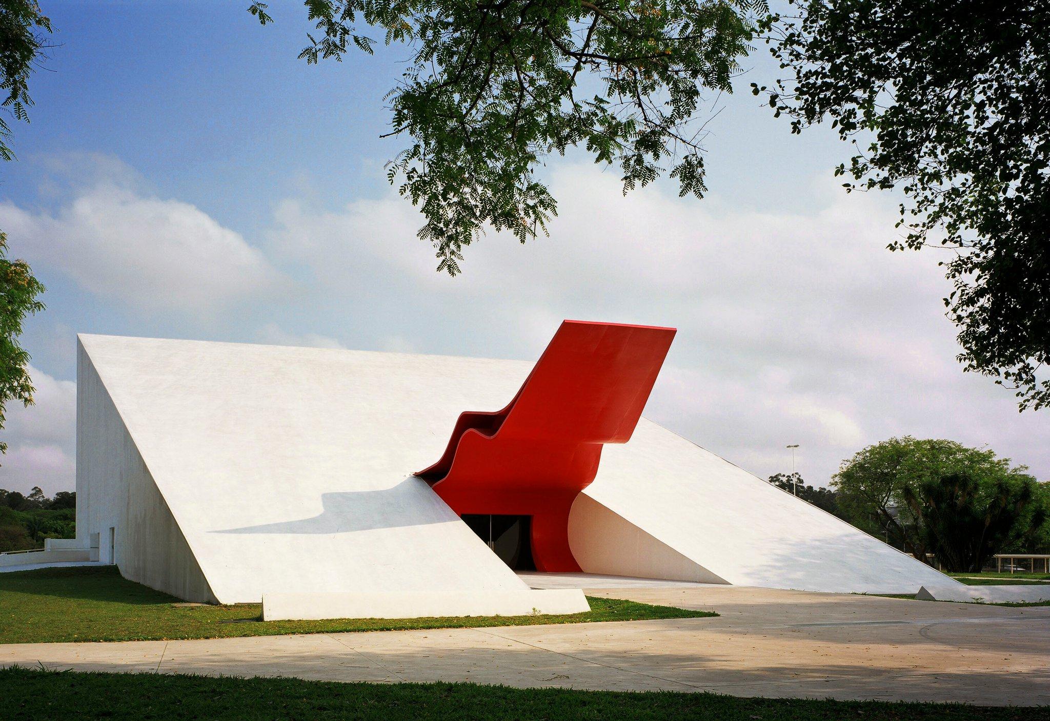 Oscar Niemeyer é homenageado em nova exposição interativa