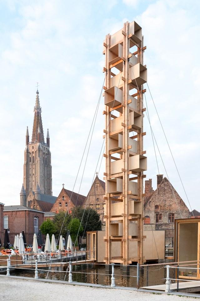 Centro histórico de Bruges é tomado por instalações de arte