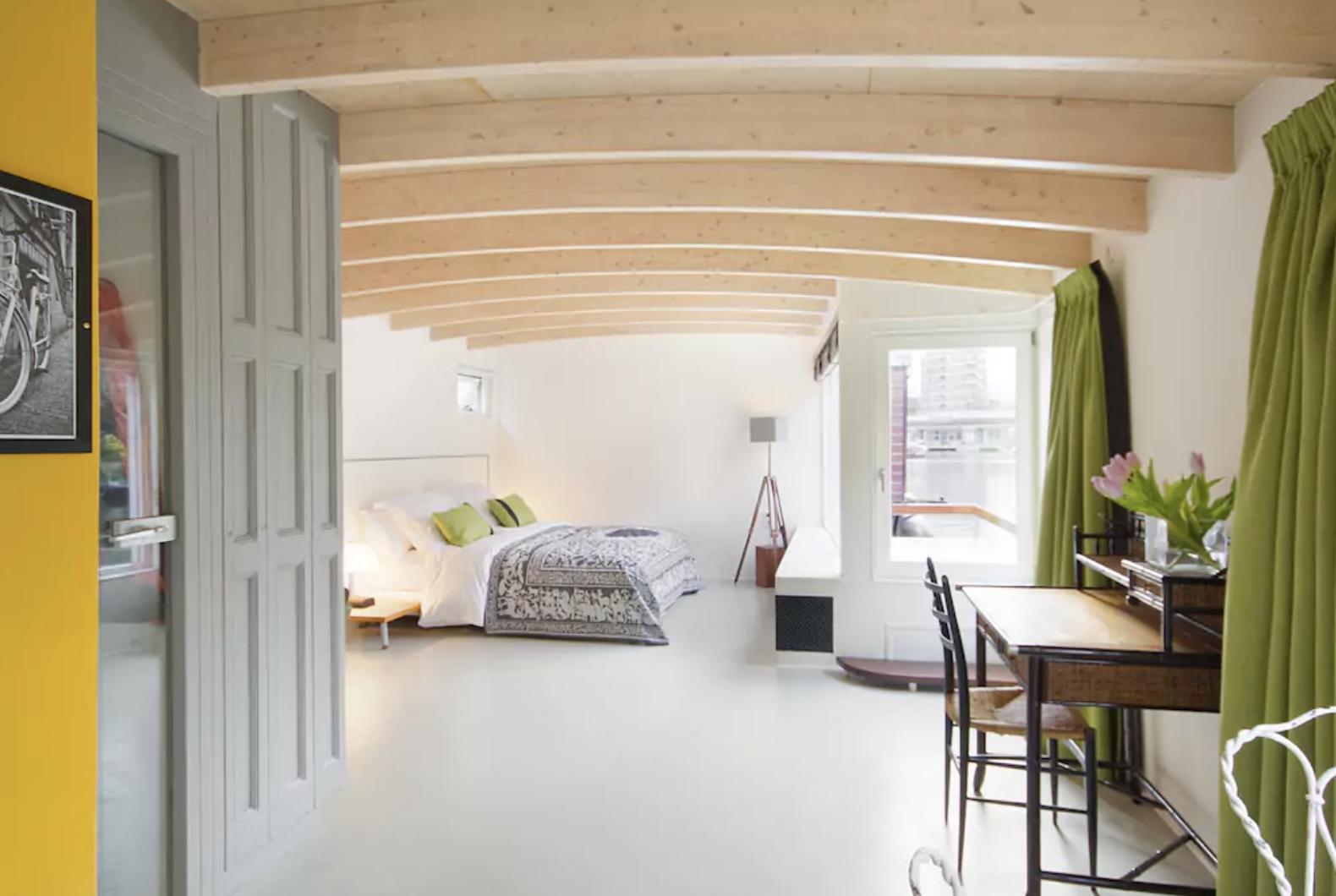 5 casas aquáticas para se hospedar em Amsterdã
