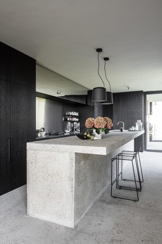 Este B&B na Bélgica conta com uma decoração clean e sofisticada. Além disso, é o refúgio perfeito para quem busca um contato maior com a natureza