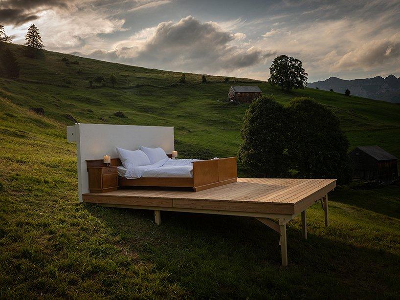 Artistas constroem hospedaria alternativa nos alpes Suíços